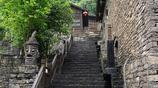 三峽人家傳統的三峽吊腳樓點綴于山水之間,如夢似幻、親切怡然