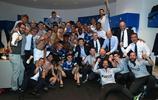 國際米蘭拿到下賽季的歐冠資格,賽後張康陽來到更衣室一起慶祝