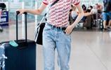 宋妍霏機場街拍就是一場時裝秀 氣場不輸超模,色彩玩家當之無愧