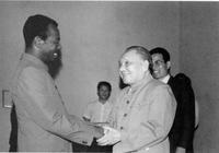 1988年6月22日,鄧小平會見埃塞俄比亞總統門格斯圖