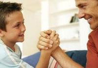 家中有男孩,父母教育時堅持這6個原則,孩子將來必成大器