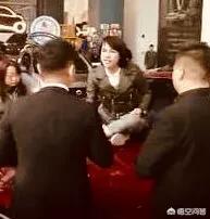 奔馳維權女現在被指惡意欠債,劉姓律師指出:法無禁止皆可行!對於此,你是怎麼看的?