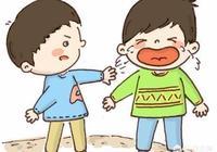 現在有些小朋友的家長只要自己的孩子不吃虧,即使打了人也可以默不作聲嗎?都不教育嗎?