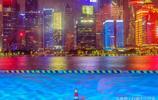 在北外灘拍攝的黃浦江夜景,兩岸燈火輝煌,美不勝收
