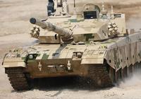有人說榴彈炮炮彈落在坦克周圍50釐米內可以把坦克炸成零件,是真的嗎?