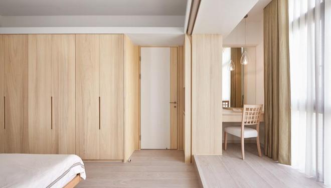清新的原木材質,享受一家三口其樂融融的生活