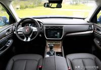 硬漢越野車榮威RX8,外觀內飾簡約大氣,四驅系統脫困力強