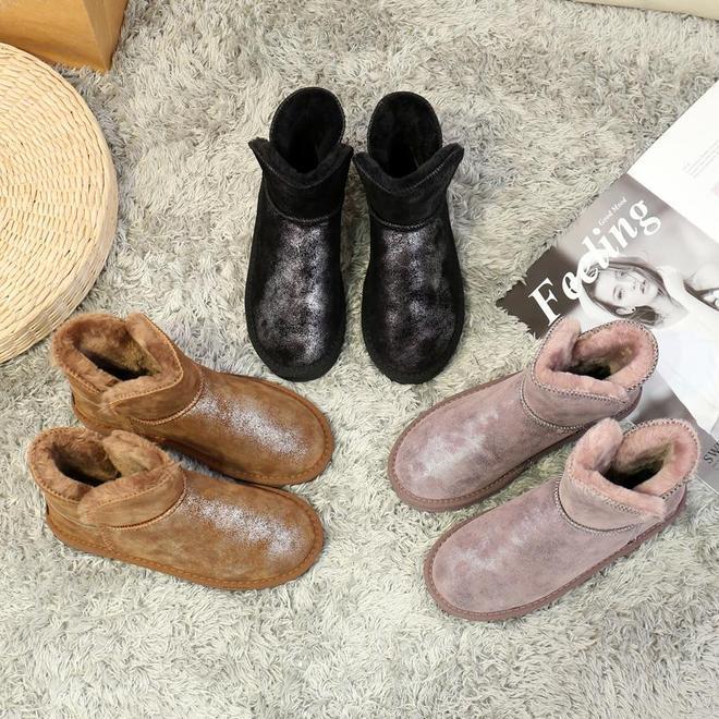 """真好看,這款""""雪地靴""""問世了,時髦保暖更輕便,上腳忒溫暖"""