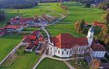 德國這座絕美古老教堂,隱於深山老林中,堪稱洛可可建築的典範