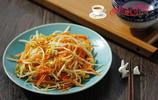 豆芽菜別再清炒了,加上它一起炒,上桌瞬間就搶光,家人說太好吃