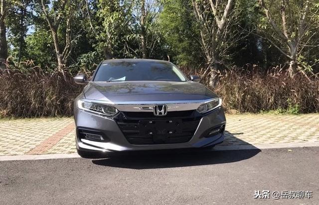 """銷量壓過邁騰,11月銷冠又是它,僅16萬起,""""B級車""""到底選誰"""