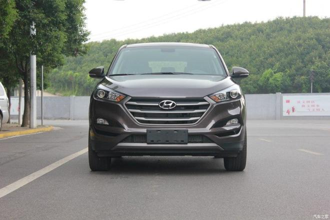 汽車圖集:北京現代-途勝2015款 1.6T 雙離合兩驅舒適型