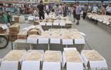 農村70後大姐海貨生意20年,批發市場生意好,旺季一天賣千數箱