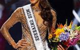 法國小姐加冕全球小姐