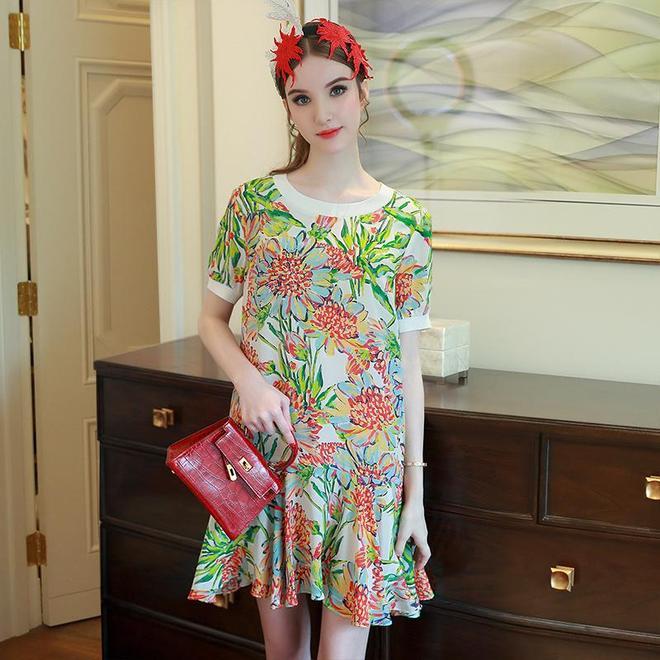 腰粗腿肥的女人更適合穿娃娃裙,顯瘦又減齡,不信你看
