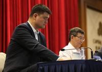 姚明和王治郅,你們覺得誰在中國籃壇地位更高?