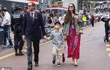 被譽為世上最迷人王子的兒女長大了,網友:將來顏值要超越父母!