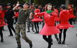 陶然亭水兵舞成為北京一景