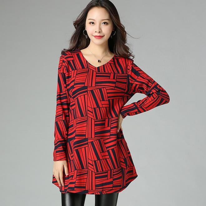 女人再胖,也不能輸在打扮上,11月新出這大碼裝,怎麼穿都顯瘦
