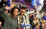 袁弘張歆藝與譚維維陳亦飛夫妻相約看球賽 滿屏的恩愛