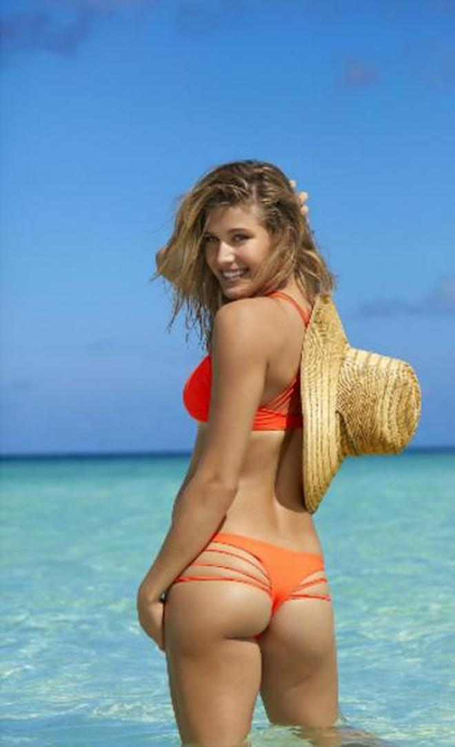 歐美女星海邊度假,網友:炎炎夏日靜靜享受午後好時光也是極好的