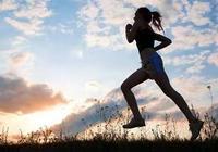 慢跑有益於健康,堅持慢跑可緩解壓力,保持健康