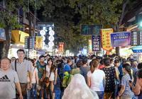 廣州市有哪幾條有名的步行街,並且好吃的多,距離廣州塔還近?