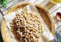 孩子不愛喝豆漿,媽媽別急,教你用黃豆做小吃,做法簡單,嘎嘣脆