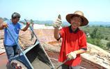 重慶男子在外省發家致富不忘鄉親,投資兩千萬修別墅送給村民
