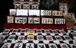 回民街一家小店,製作皮影裝飾品,一天可賣2000多幅