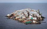 直擊世界上最擁擠的島嶼,半個足球場大小,卻擠滿了130人