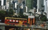 80年代,香港街頭巨型廣告不少,讓人眼花繚亂