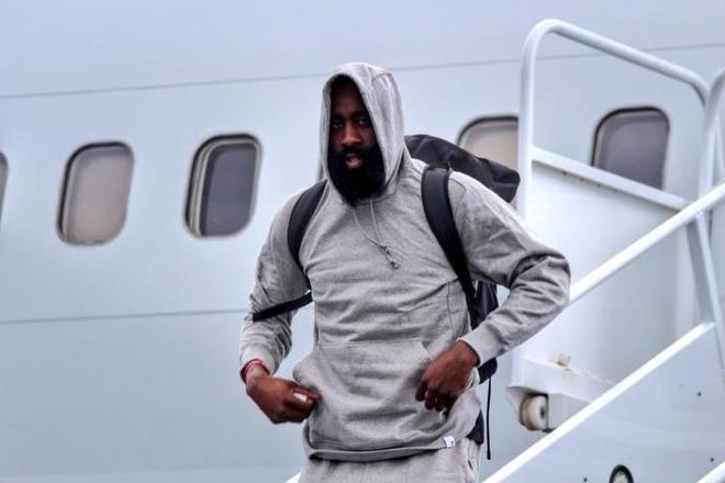 周琦錯失NBA季後賽,協助哈登 等下賽季!火箭浪費黃種人天賦