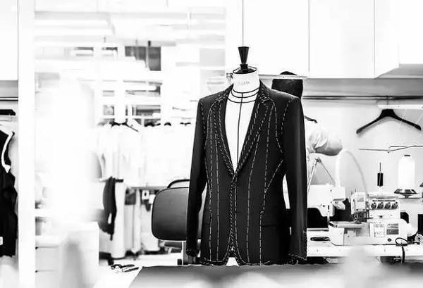 如何自學服裝設計?服裝設計要學那些東西呢?