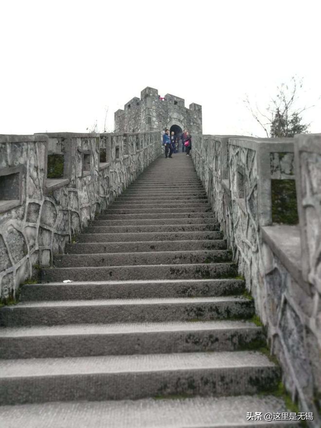 來到恩施不得不提土司城,這是一座能讓你體會一城閱千年的古城