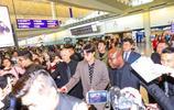 韓星樸敘俊現身香港,再次演出眾星捧月的局面