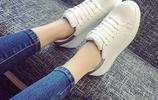 """賈乃亮微博晒一家三口照片,腳上""""小白鞋""""亮了,網友:甜馨最美"""