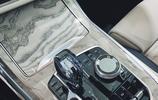 如果你要買寶馬X7,一定要考慮這套藍白內飾,比奔馳GLS更顯檔次