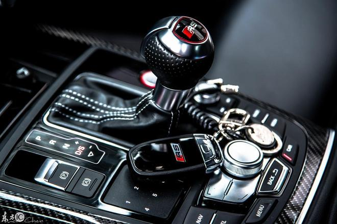 這是每一個男人的夢想,快來看看吧,最炫的''黑武士RS6''
