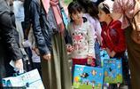 土耳其兒童參加世界難民日慶祝活動 小花臉畫滿愛心