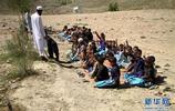 """阿富汗:""""伊斯蘭國""""據點變學校"""