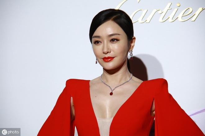 演員秦嵐:精緻的面容、柔美的氣質,讓人過目難忘