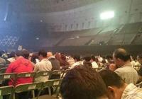 史上最慘演唱會:八萬人會場只去了20人,怕尷尬用黑布遮擋住空位