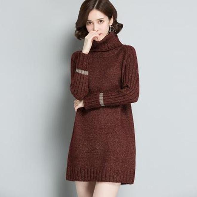 """又火了一款毛衣,是""""中長款"""",時髦洋氣顯瘦,適合7080後"""