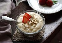 腸胃不好的人,常喝酸奶,能預防便祕嗎?醫生認為:搞清楚這些事