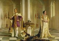 可愛的鍍金小王冠!英女王和妹妹,在父親喬治六世加冕禮上佩戴