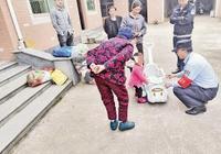 母親莫名失聯,父親去向不明 家園衛士為寄養幼女尋找親人
