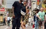 凱里-歐文個人社交媒體上晒出與女友Golden出遊的照片