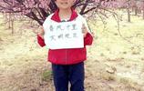 """同是踏青賞花享受春天  大人和孩子們的照片先後都成了""""網紅"""""""
