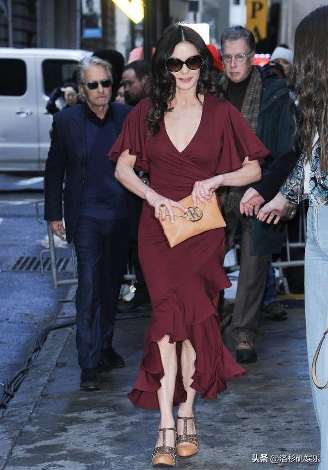 LA娛樂 英國影星凱瑟琳·澤塔-瓊斯,出席紐約時裝週某品牌秀